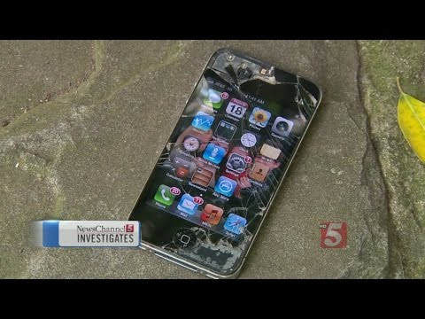Customers Report Problems With Mall Cell Phone Repair Store