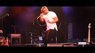 Komo Performs -
