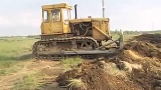 Работа бульдозера Т-130 - видео с сайта http://proftraktor.ru/(На видео бульдозер Т-130 демонстрирует свою мощь и маневренность. Технические характеристики машины можно..., 2014-02-10T08:26:45.000Z)