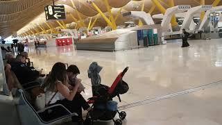 Jestem na lotnisku w Madrycie - nie jest wesolo