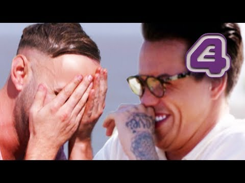 Bobby Norris's First Kiss Fail! | Celebs Go Dating