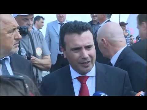 С премиера на Република Северна Македония Зоран Заев открихме възстановения паметник на полковник Константин Каварналиев край Дойран. Щастлив съм, че изпълнихме ангажимента си, с който почитаме един герой, който може да вдъхновява. Тук на тези места стотици българи са дали живота си, проливала се е кръвта и на много други народи, водела се е война след война. Сега искаме да пробваме с работа и дипломация, за да продължим да живеем в мир.