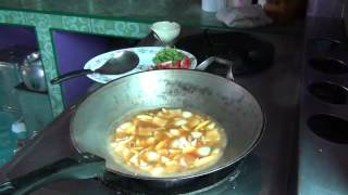 how to make Tom Yam Kai ?