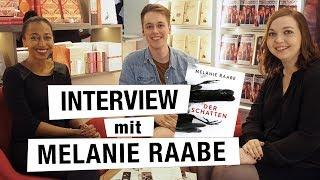 MELANIE RAABE im INTERVIEW | über ihre Lesereise, neue Projekte und seltsame Vorkommnisse | FBM 2018