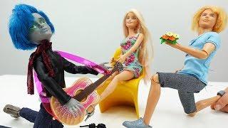 Мультики про Барби: Кен VS Гаррет Монстер Хай!