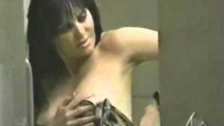 Repeat youtube video Maribel Guardia Desnuda