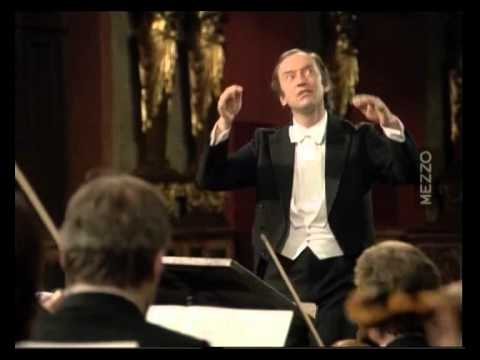 Symphony N°4   F  Schubert   D° N Harnoncourt   Vienna Ph  Orch