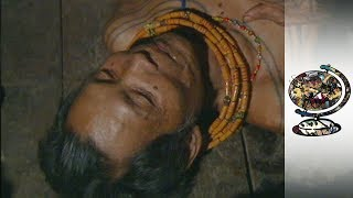 The Surfing Doctor Of The Mentawai Islands (2001)