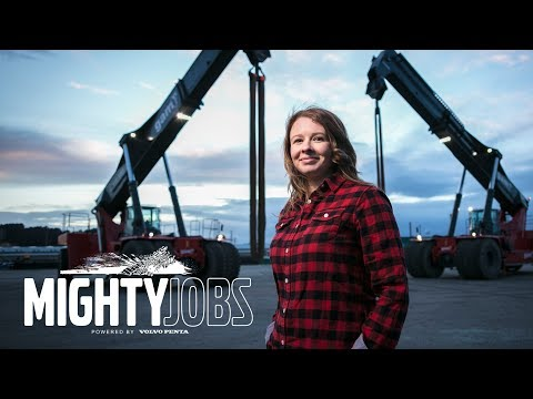 Volvo Penta – Mighty Jobs - The perfect power solution lifts 'Super Gloria' to new heights