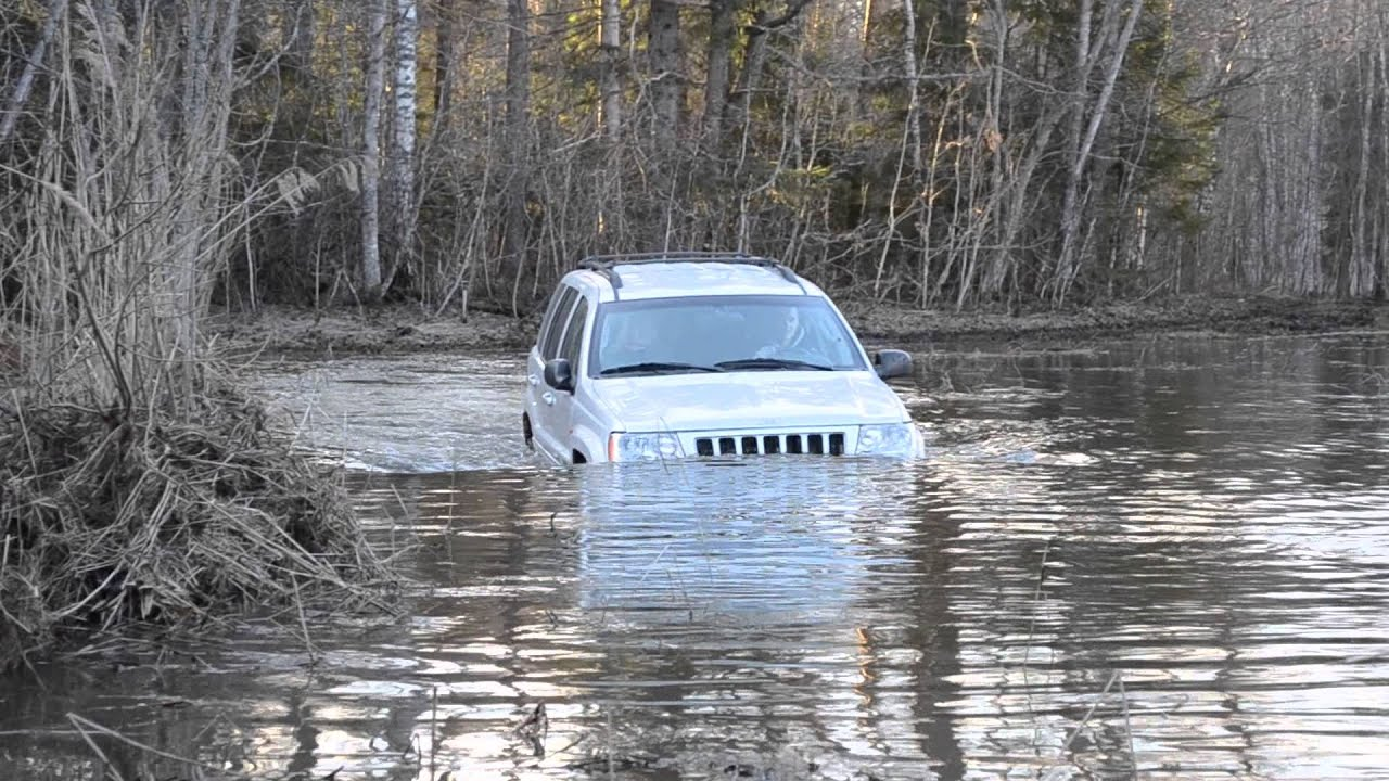 Jeep Cherokee Off Road >> Jeep Grand cherokee 2.7 crd water crossing (deep) - YouTube
