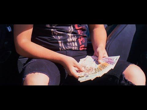 Смотреть клип Haze Ft. Belén Peña & Renzo Venelly & Clau Obregón - Feka 2.0