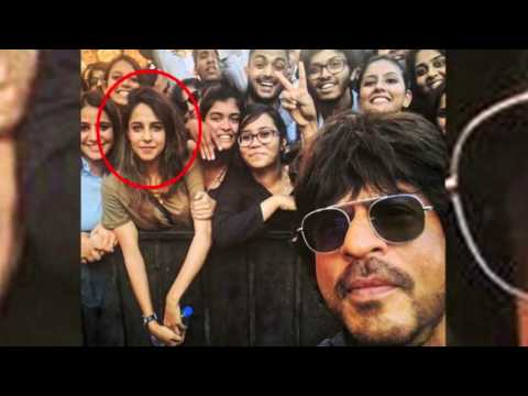 Thumbnail: Accidentally a Hot Girl Behind Shahrukh Khan in a Selfie Becomes a Star From Pune