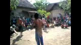 """Tradisi Minta Hujan """"Ojung"""" di Karangmenggah , Wonorejo , Pasuruan"""