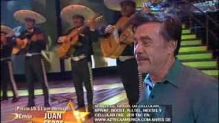 Juan Rivera llora al cantar Ese señor de las canas