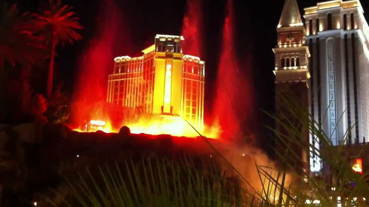Volcano fountain show las vegas 39 mirage youtube for Nspi pool show vegas