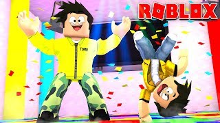 MY CHILD'S FIRST DAY AT THE DANCE SCHOOL IN ROBLOX