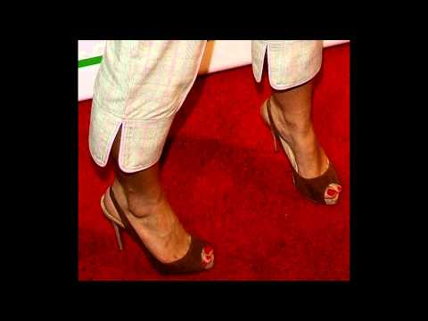 Nelly Furtado's eternal birthday feet