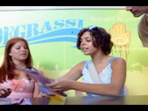Degrassi Mall Tour 8142004 Honolulu, HI Stacy Farber Melissa McIntyre Part 10