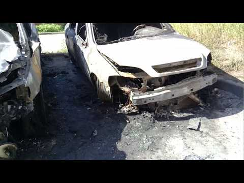 Сгорели две машины в районе Текстильной, Лобня.