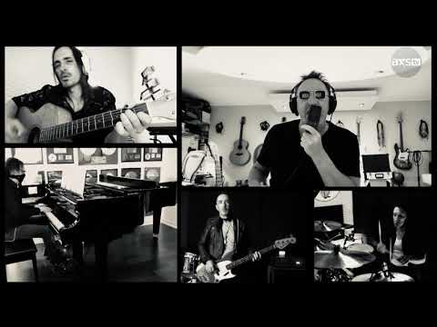 "Nuno Bettencourt & Julian Lennon Perform ""Karma Police"" 