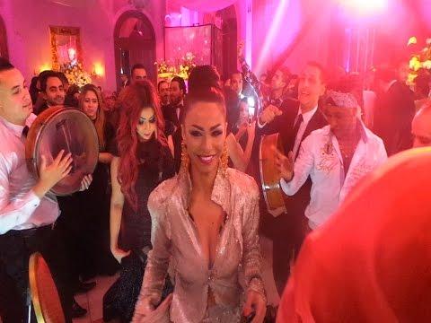 دوللي شاهين ترقص بملابس مثيرة في حفل زفاف نرمين ماهر