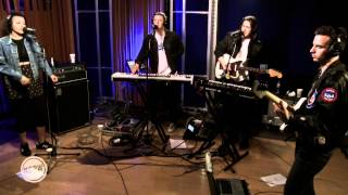 Jungle Performing Busy Earnin Live On KCRW