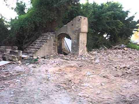 573 - Bliss Street: Destruction of old houses in Beirut