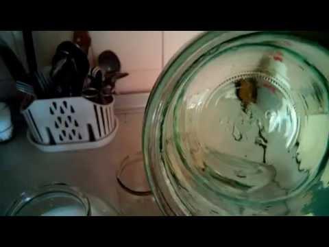 Стерилизация банок в газовой духовке.