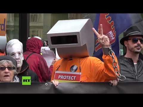 Protestas contra la extradición de Julian Assange en Londres