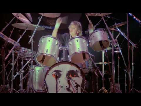 3. Play The Game (Queen In Montreal: 11/1981) [FIlmed Concert]