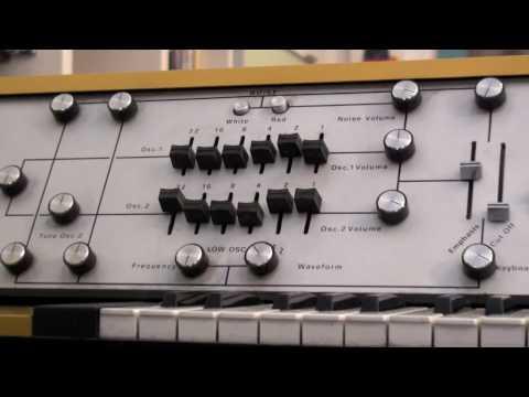 Steelphon S900 synthesizer