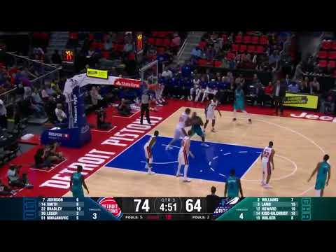Dwight Howard Handles Ball up the Floor and gets And-1 Dunk - Hornets v Pistons NBA Preseason