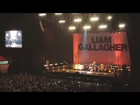 Liam Gallagher - Live Forever (Shenzhen, China 12/08/2017) Live Acoustic Version