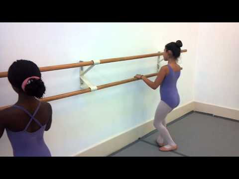 Studio 19 Centre for Performing Arts 8-12 Ballet Class
