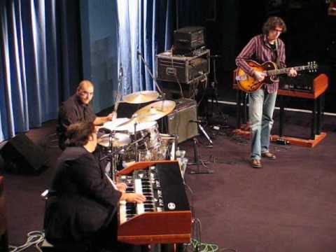 Autumn Leaves - Joey DeFrancesco, Lorenzo Frizzera, Giò Rossi - hammond & guitar