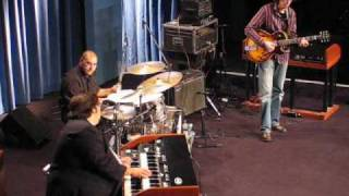 Autumn Leaves - Jazz music video - Joey DeFrancesco - hammond & guitar