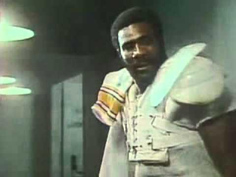 Coca Cola Classic Ad Mean Joe Greene 1979 80 Super Bowl Xiv Youtube
