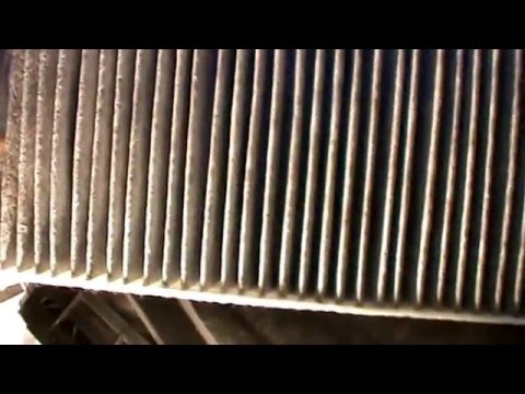 PORSCHE CAYENNE, Replacing cabin air filter.