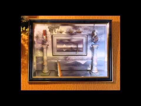 Как смотрятся картины в прихожей вместо зеркала