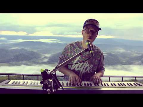 FrankMusik - Walking on a Dream [Empire of the Sun Cover] (Live)