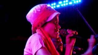Nneka - Suffri (Live @ The Troubadour) 8/16/10
