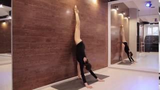 1. Split stretching - растяжка на шпагат