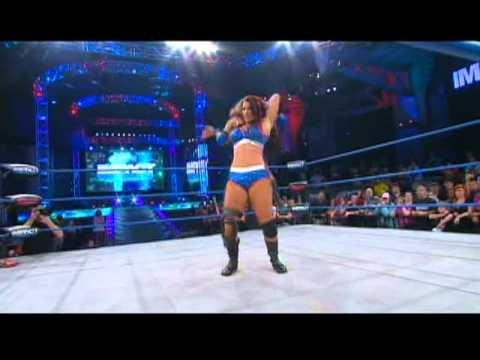 Madison Rayne Tries To Punish Tara & Brooke Tessmacher