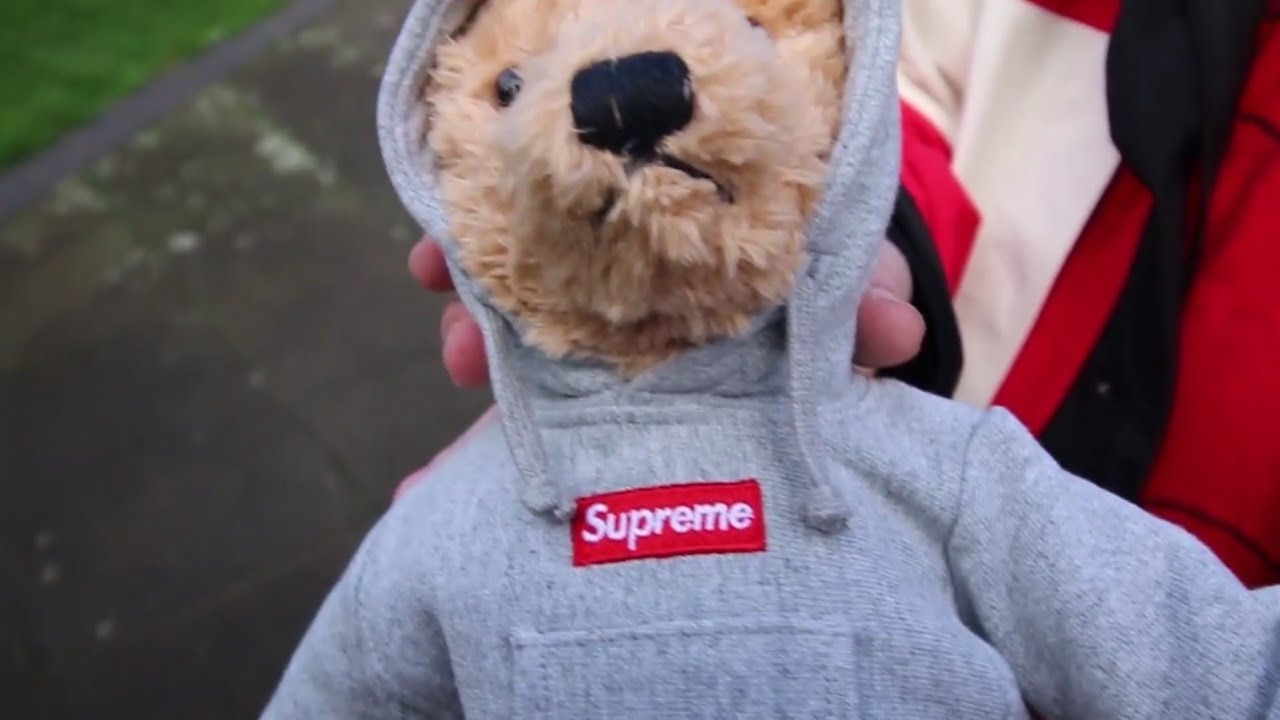 Brand new Supreme logo Steiff Teddy Bear FW//18