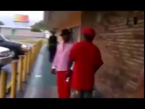 Brésil : un policier tire sur un voleur de moto en pleine rue - images violentesde YouTube · Durée:  36 secondes