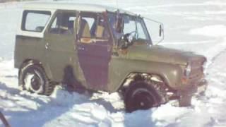 УАЗ 469 Б .   необычный способ проведения 8 марта