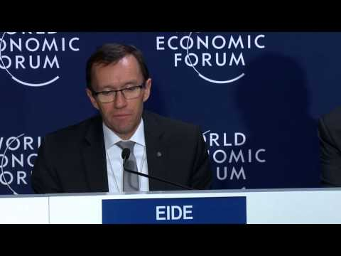 Davos 2015 - Issue Briefing: Military and Intelligence