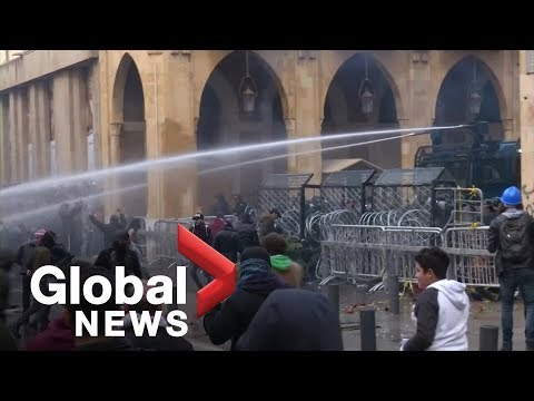 Lebanon security forces, protesters clash near parliament building