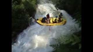 NAPAK ARUS-Paket outbound,Arung jeram sungai palayangan,pangalengan
