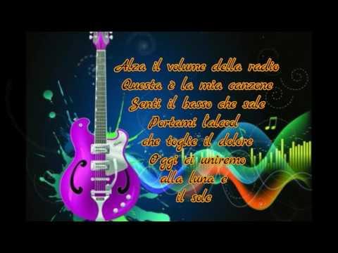 """"""" Alza il volume della radio """" Traduzione"""